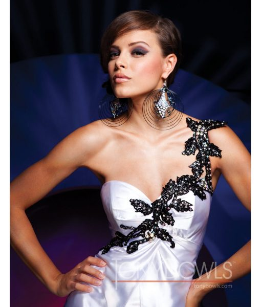 tony-bowls-11129-white-and-black-gown (1)