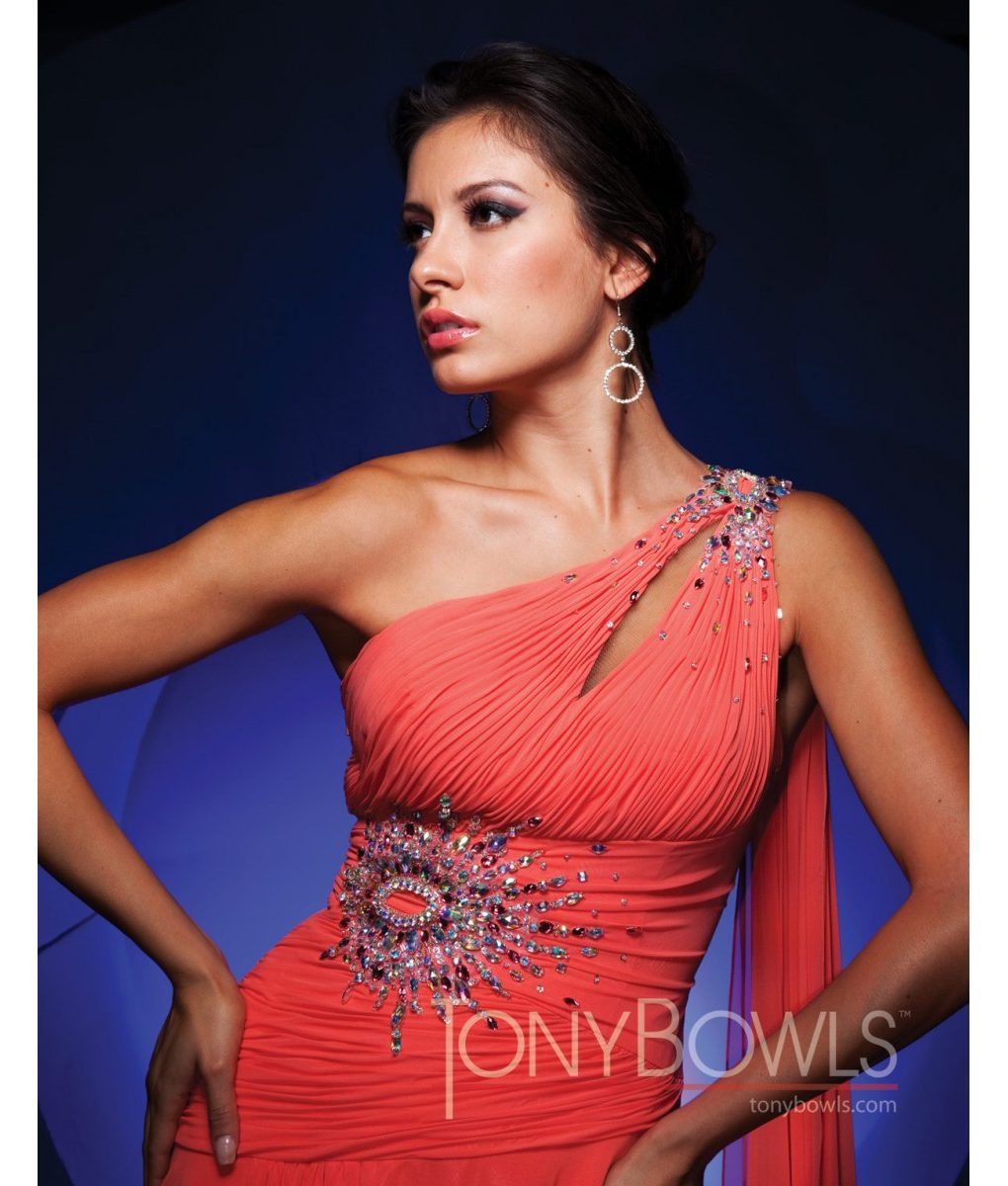 tony-bowls-one-shoulder-gown-tbe11154 (1)