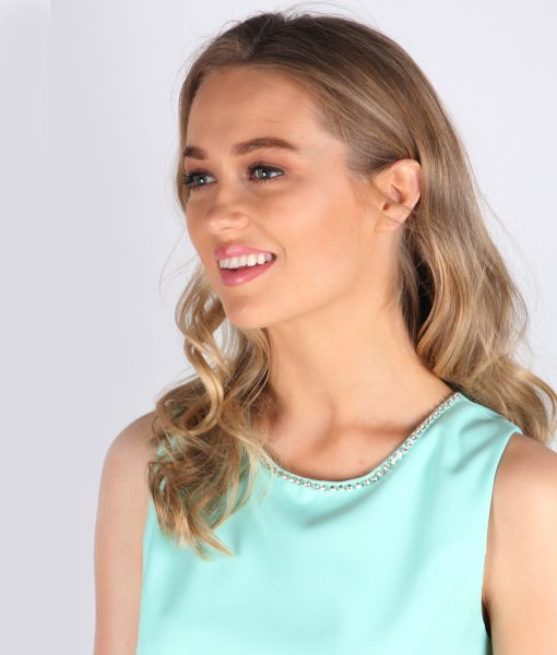 mint close up neckline