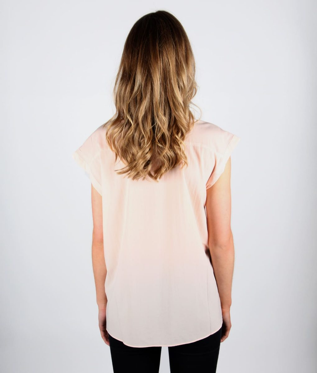 French Alila Peach v-detail top back
