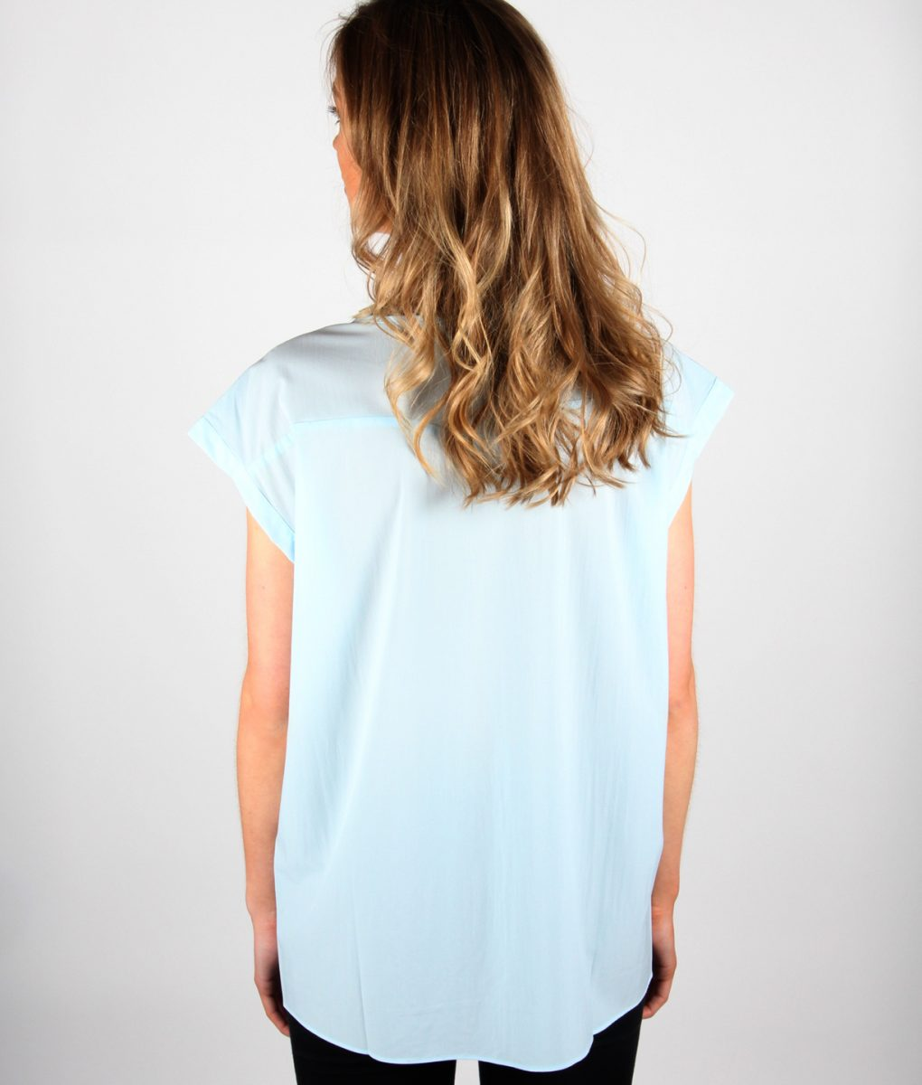 French Alila baby Blue V-detail top back