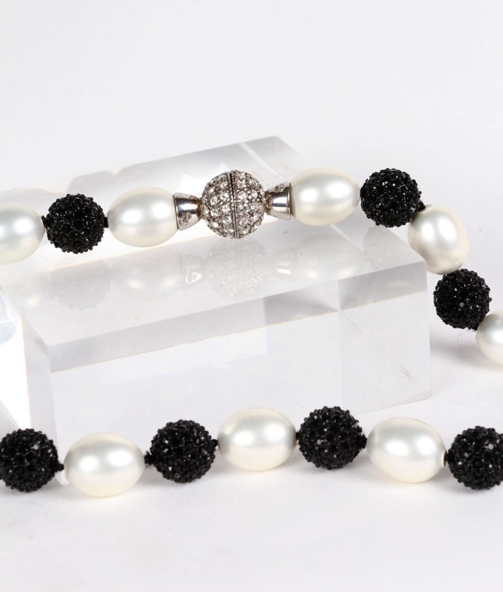 Pearl and black Swarovksi necklace