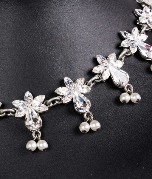 Otazu Flower and Pearl necklace