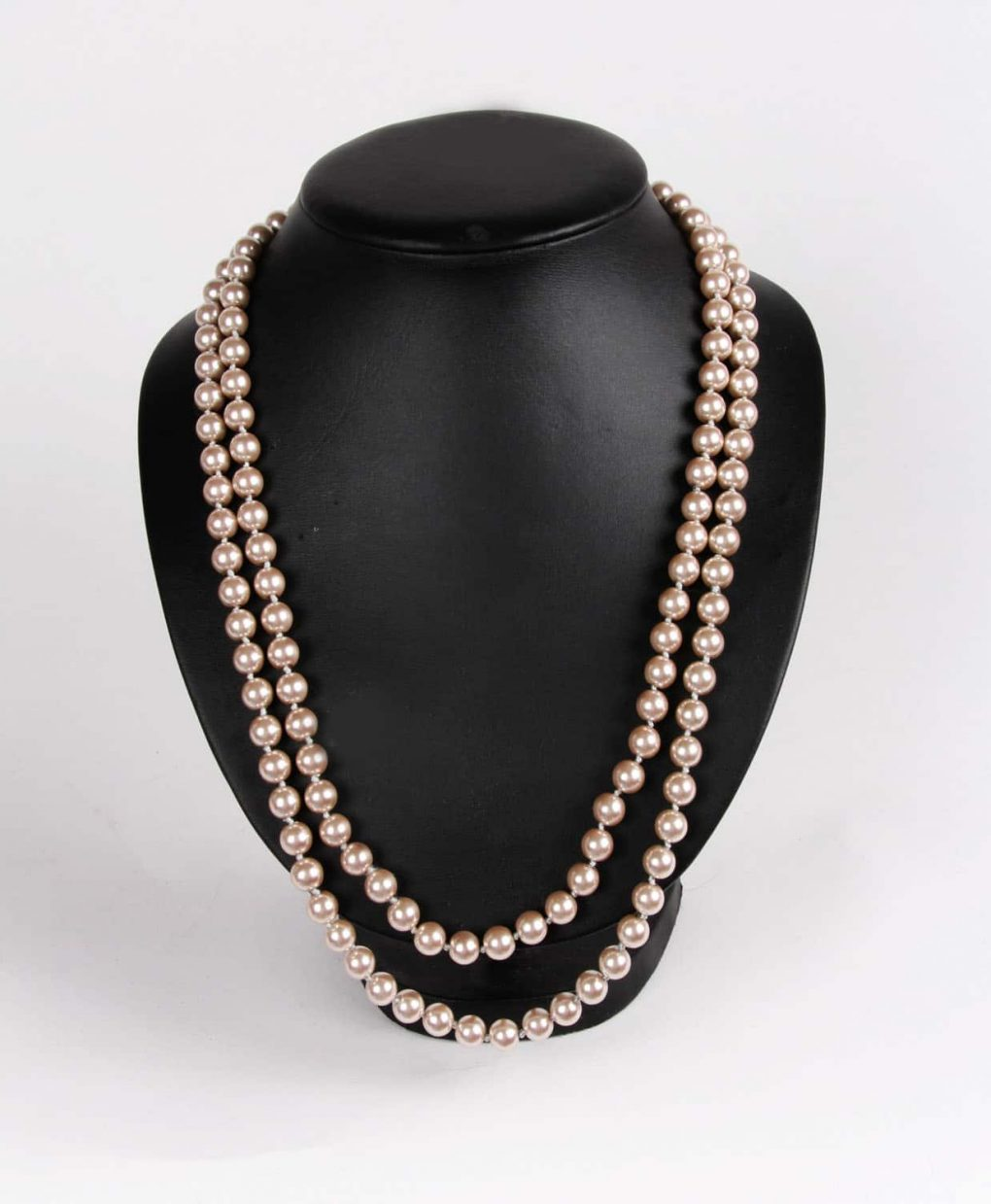 Alila Long Chain of Genuine Peach Pearls Necklace