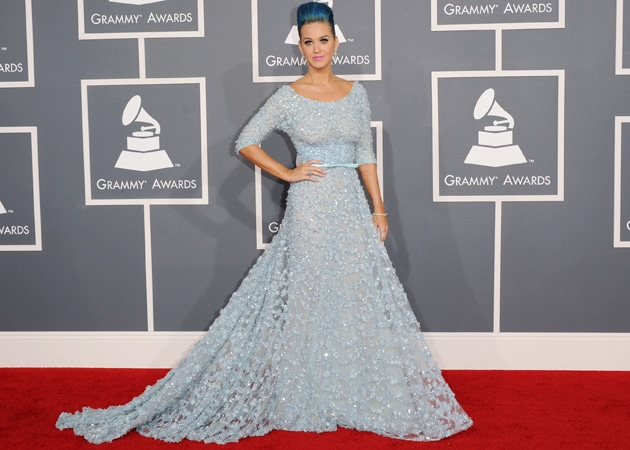 katy-perry-grammys-2012-red-carpet