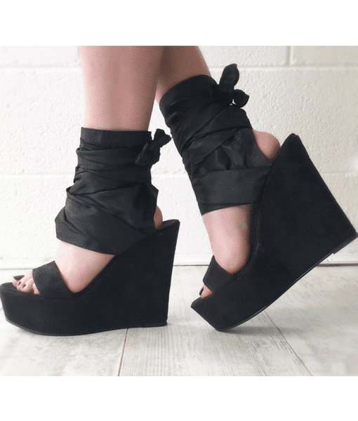 Black wrap wedges Alila