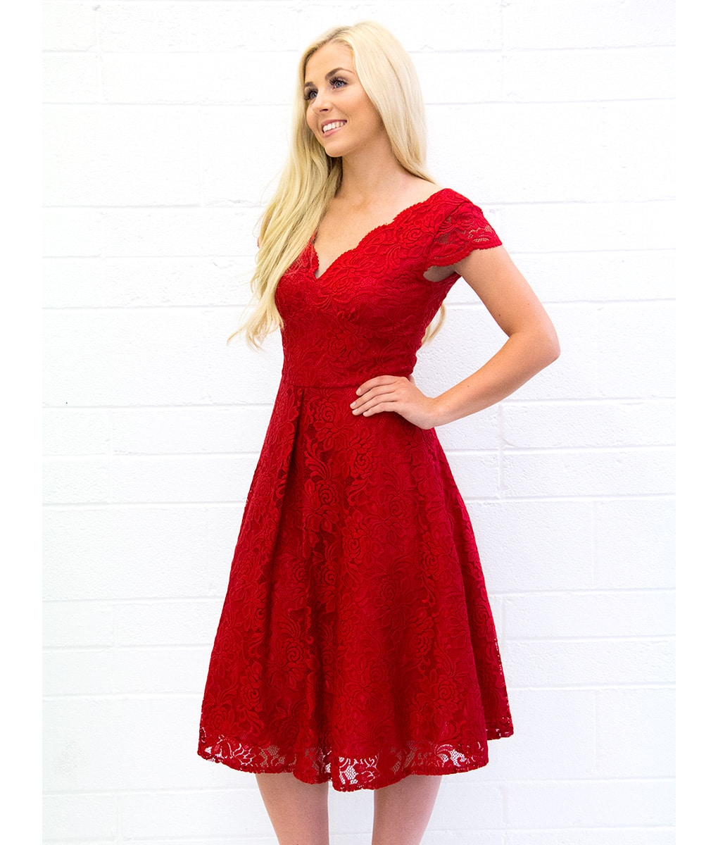 Alila-Red-Scallop-Lace-V-Neck-cap-sleeve-Dress-Jolie-Moi