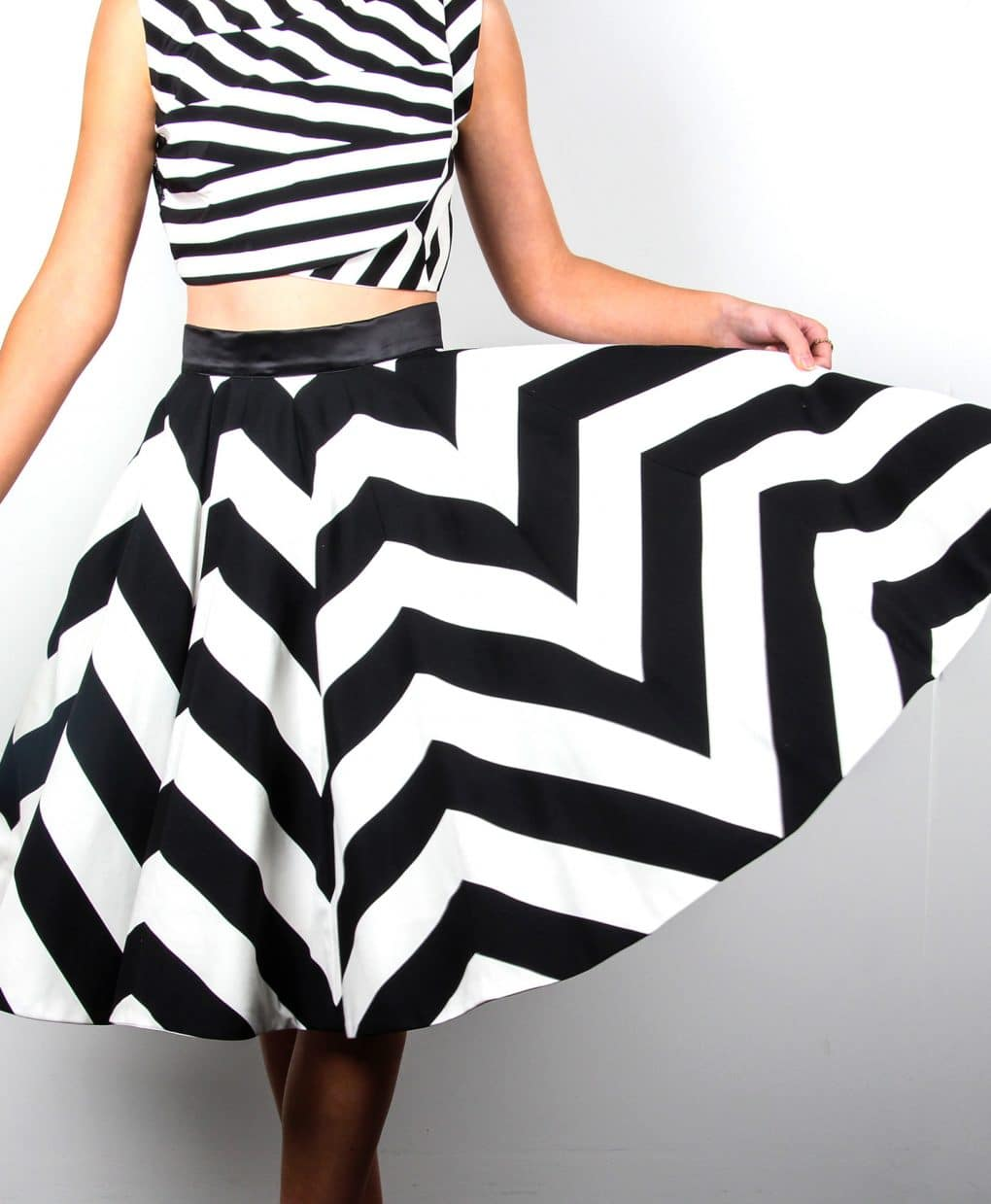 Chevron-Black-and-White-Stripe-Skirt-Atalier